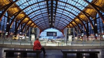 Pressebild_08_Meine Stadt_Antwerpen_Bahnhofshalle und Dunkl